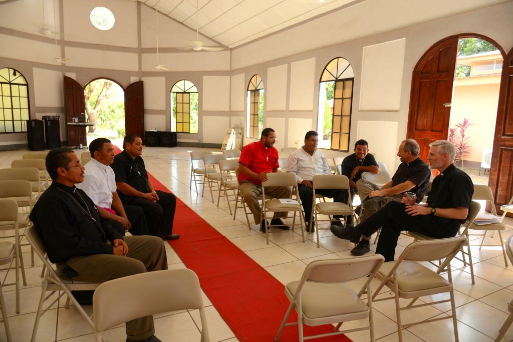 Nicaragua meeting with pastors
